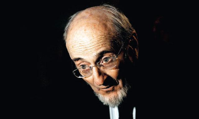 Comprometido. Escritor español Álvaro Pombo.